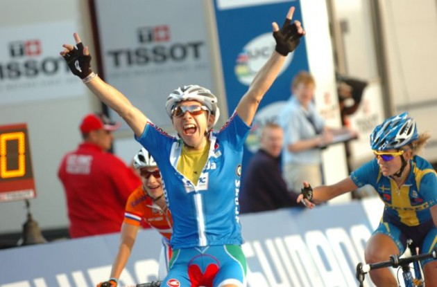 Giorgia Bronzini wins elite women's road race at 2010 UCI Road Cycling World   Championships ahead of Marianne Vos (Netherlands) and Sweden's Emma Johansson. Giorgia Bronzini is the new World Champion. Photo Fotoreporter Sirotti.
