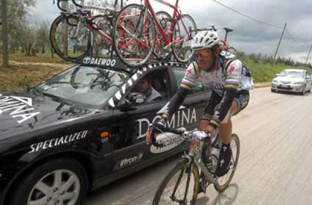 Guess who was back on his bike today? Cipollini showed up at the start, but was unable to take part in the stage sprint. Photo copyright Fotoreporter Sirotti.