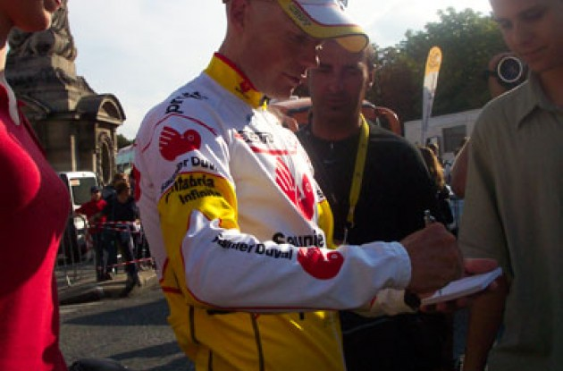 ...and so does Horner... Photo copyright Roadcycling.com.
