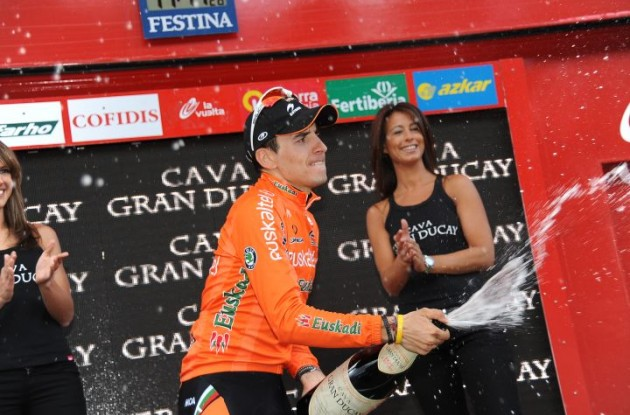 Igor Anton celebrates his stage win on the podium. Photo copyright Fotoreporter Sirotti.