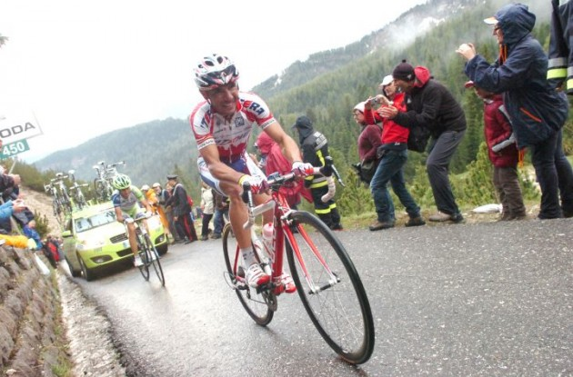 Joaquin Rodriguez climbs followed by Voncenzo Nibali. Photo Fotoreporter Sirotti.