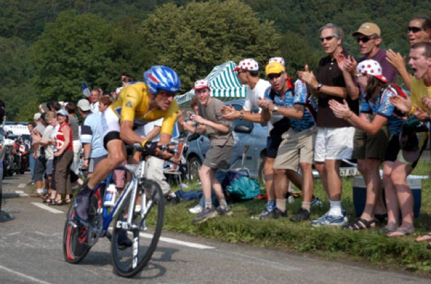 Lance Armstrong (Team Discovery Channel). Photo copyright Roadcycling.com/TBT.