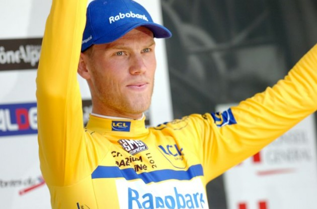 Lars Boom celebrates his Criterium du Dauphine 2011 lead. Photo Fotoreporter Sirotti.