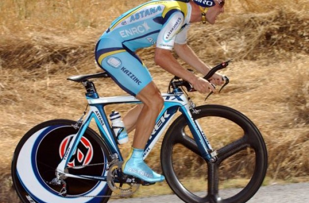 Leipheimer looked extremely powerful today.
