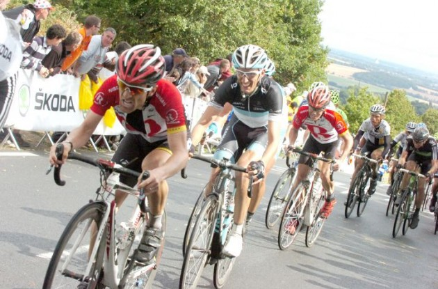 Team RadioShack's Levi Leipheimer closely tailed by Andy Schleck and Chris Horner. Photo Fotoreporter Sirotti.
