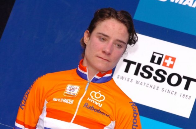 Marianne Vos on the podium in Denmark. Photo Fotoreporter Sirotti.