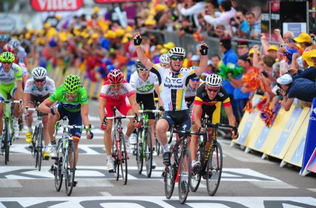 Mark Cavendish (Team Columbia-HTC) takes his 5th 2009 Tour de France stage win. Photo copyright Fotoreporter Sirotti.