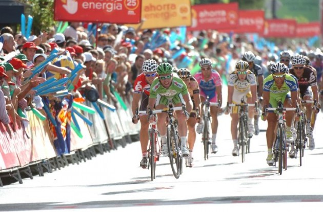Mark Cavendish (Team Columbia-Highroad) sprints to his third stage win. Photo copyright Fotoreporter Sirotti.