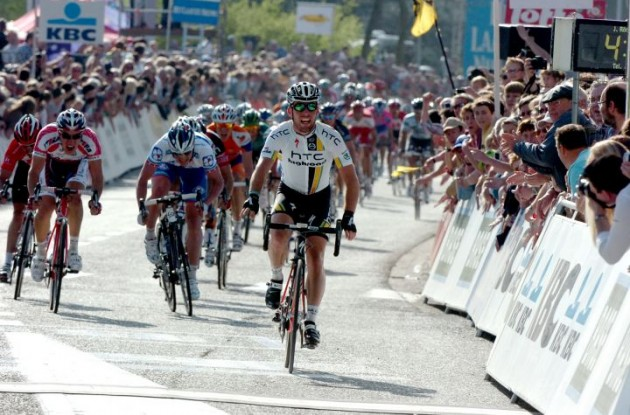 Mark Cavendish (Team Columbia-HTC) takes his first win in this year's Tour. Photo copyright Fotoreporter Sirotti.