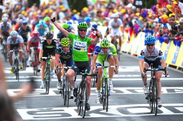Team HTC-HighRoad's Mark Cavendish wins stage 15 of the Tour de France 2011 ahead of Tyler Farrar of Team Garmin-Cervélo and Alessandro Petacchi of Team Lampre-LSD. Photo Fotoreporter Sirotti.