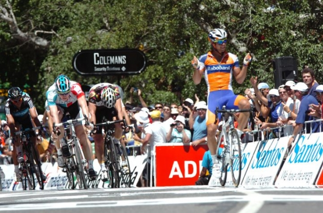 Michael Matthews wins stage 3 of the 2011 Tour Down Under for Team Rabobank. Photo Fotoreporter Sirotti.