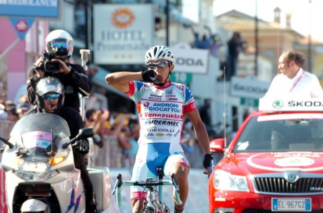 Miguel Rubiano wins stage 6 of the 2012 Giro d'Italia. Photo Fotoreporter Sirotti.
