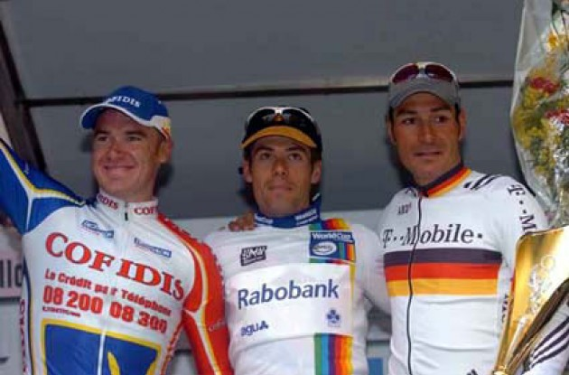 O'Grady, Freire and Zabel on the podium in San Remo. Photo copyright Fotoreporter Sirotti.
