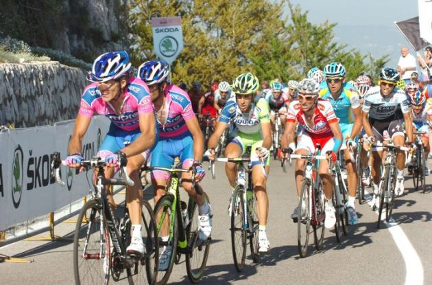 Nibali, Garzelli and Contador battle against the final climb of today's stage 7 of the Giro d'Italia 2011. Photo Fotoreporter Sirotti.