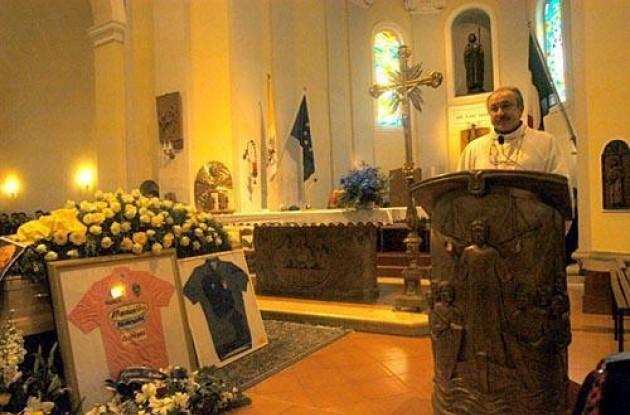 Pantani funeral. Photo copyright Fotoreporter Sirotti.