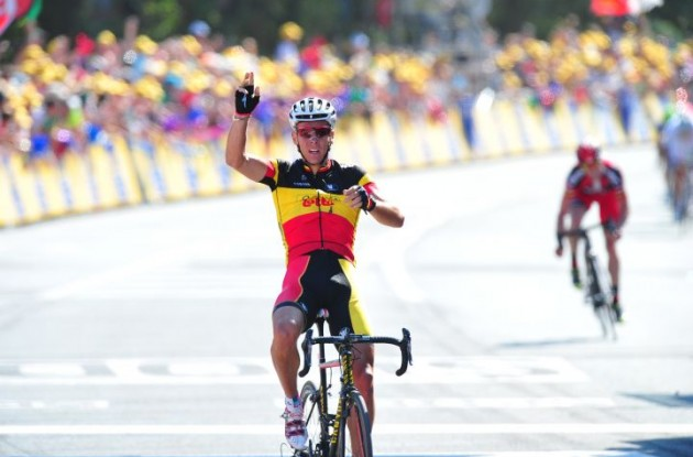 Philippe Gilbert wins stage 1 of the 2011 Tour de France. Photo Fotoreporter Sirotti.