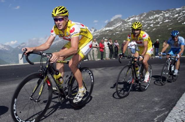 Horner pulls Piepoli. Photo copyright Roadcycling.com.