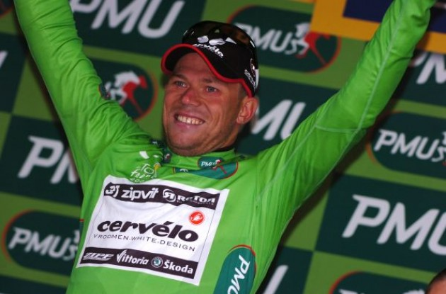 Thor Hushovd (Cervelo TestTeam) on the podium..back in green. Photo copyright Fotoreporter Sirotti.