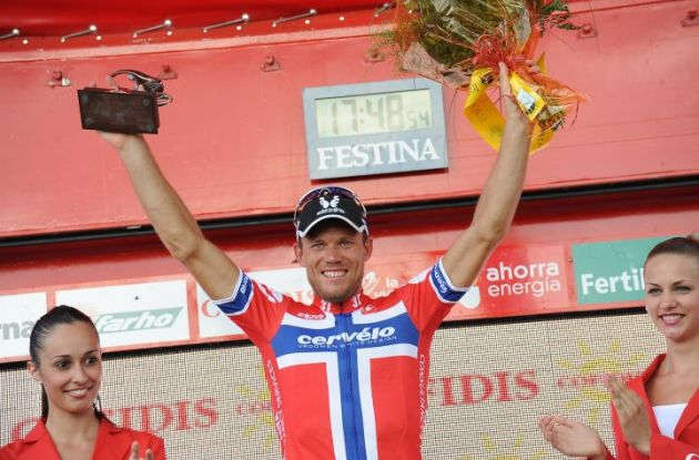 A proud Thor Hushovd on the podium in Murcia. Photo copyright Fotoreporter Sirotti.