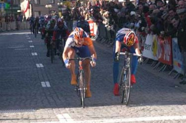 De Jongh beats Planckaert in the sprint. Photo copyright Fotoreporter Sirotti