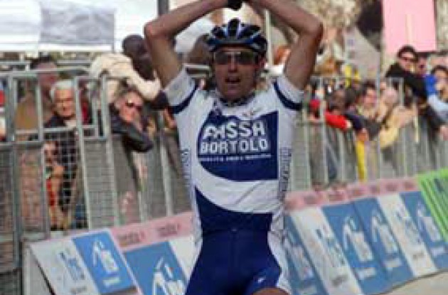 Roberto Petito dedicated his stage win to his late father. Photo copyright Fotoreporter Sirotti.