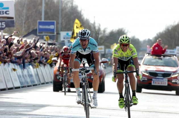 Tom Boonen wins Tour of Flanders 2012 in a sprint to the finish line. Photo Fotoreporter Sirotti.
