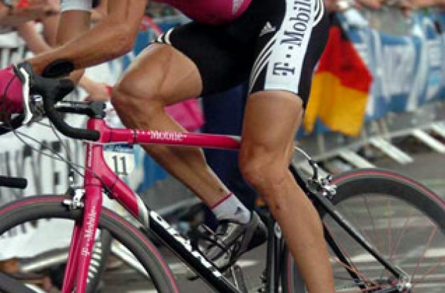 Jan Ullrich gained important time on Basso and Klöden and is now more likely to get his place on the podium in Paris!