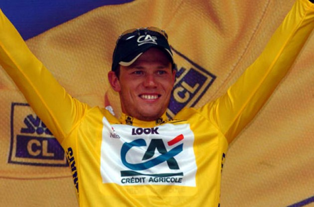 Thor Hushovd looking extremely happy on the podium. Enjoy! Photo copyright Fotoreporter Sirotti.