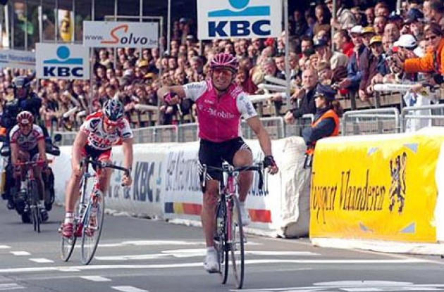 Steffen Wesemann (T-Mobile) outsprints Leif Hoste (Lotto) and Dave Bruylandts (Chocolade Jacques) to win the 257-km Tour of Flanders. Photo copyright Fotoreporter Sirotti.