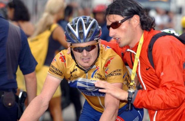 Floyd Landis appeared even more exhausted today. Tummy problems Mr. Landis? Photo copyright Unipublic.
