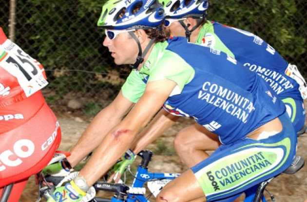 Valverde crashed in today's stage. Photo copyright Unipublic.