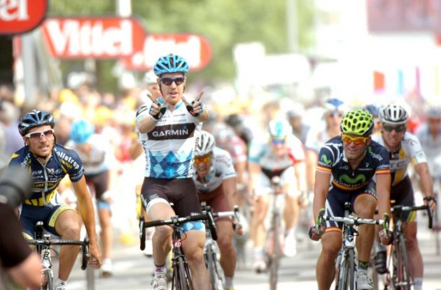 Team Garmin-Cervelo's Tyler Farrar sprints to win in stage 3 of Tour de France 2011. Photo Fotoreporter Sirotti.