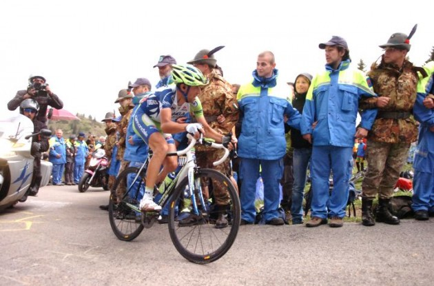 Vincenzo Nibali corners. Photo Fotoreporter Sirotti.