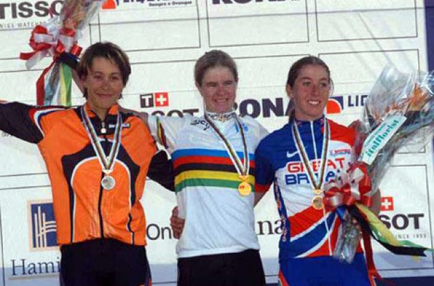 The podium from left to right: Melchers, Ljungskog and Cooke. Photo copyright Fotoreporter Sirotti.