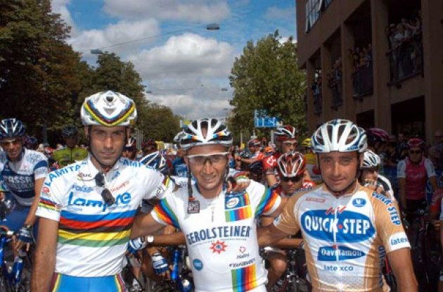 Three of the world's four best riders: Astarloa, Rebellin and Bettini at the start in Zurich. Don't worry Tyler - We haven't forgotten about you. Photo copyright Fotoreporter Sirotti
